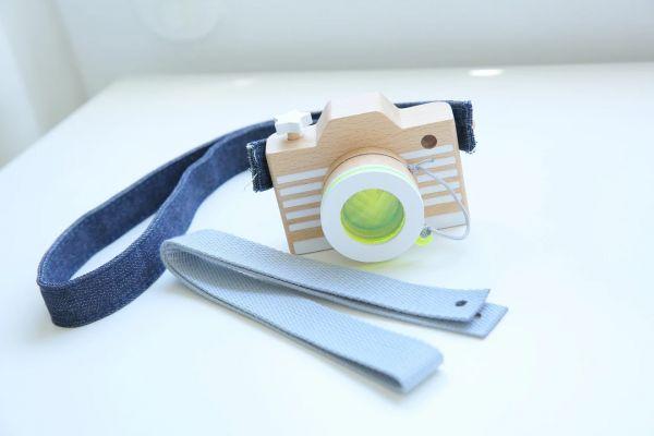 kiko+ & gg* Holzspielzeug Kamera Yellow